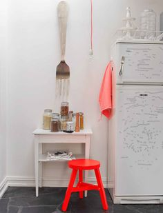 brilliant orange - wouldn't that little stool be adorable in a child's room?