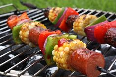 Hot Dog Kebabs- love these maybe not with hot dogs but with sausage ! Easy Potluck Recipes, Grilling Recipes, Summer Recipes, Great Recipes, Cooking Recipes, Favorite Recipes, Healthy Recipes, Pork Recipes, Potluck Ideas
