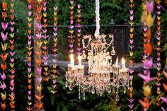 {Wedding Trends} : Hanging Wedding Decor – Part 2 - Belle The Magazine Wedding Ceremony Ideas, Wedding Trends, Wedding Reception, Wedding Venues, Non Flower Centerpieces, Wedding Centerpieces, Paper Wedding Decorations, Reception Decorations, Hanging Decorations
