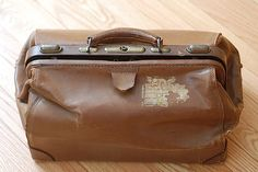 /distress-leather-1930s-brown-doctors-bag