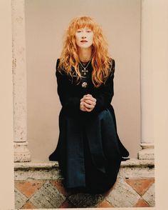 Lorrena Mac Kenneth une musicienne hors pair, qui associe les tradition, révèle la beauté des musiques de toutes les cultures avec une voix d'une justesse.. Sans commune mesure