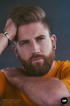 His hair, eyebrows, moustache and beard. Scruffy Men, Hairy Men, Bearded Men, Beard Styles For Men, Hair And Beard Styles, Septum Piercing Men, Men's Piercings, Redhead Men, Hot Beards