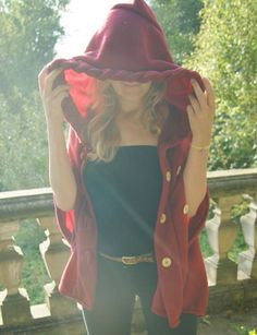 Red Cape // Rotes Cape // Red Ridinghood