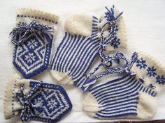 Vintage handknit infant's socks & mittens. Etsy.