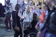 """Annick Sevenans (28), voormalig rolstoeltennister op olympisch niveau, is een groot liefhebber van de #GentseFeesten. Zaterdag kwam ze voor de tweede keer naar de feestenzone, om te feesten met haar vriendinnen Delphine, Faye, Inn en Elisabeth. """"Gent is geweldig voor rolstoelgebruikers."""" #GF15"""