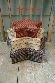 primitive fabric | Primitive Americana Patriotic Fabric cOvErEd Star sTaCkInG Boxes