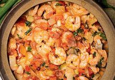 Em menos de 15 minutos, você pode preparar a moqueca de camarão para diversificar o cardápio do jantar!