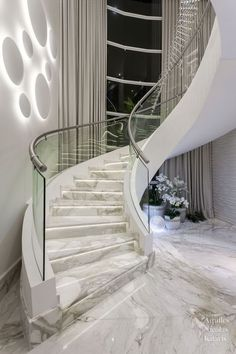 marble stairs 😍 - Haus of Glamour Home Stairs Design, Interior Stairs, Home Interior Design, House Design, Stair Design, Design Design, Modern Design, Design Ideas, Bath Design