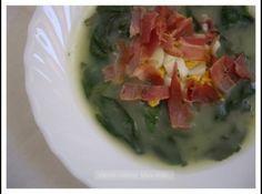 Receita de Sopa de espinafre, bacon e batatas - sopa demasiado abatatada para o meu gosto. Numa outra oportunidade substituirei parte da batata por courgette para ver como fica. De qualquer...