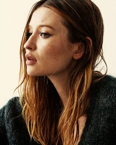 emily-browning-photoshoot-for-interview-magazine-october-2015_3.jpg (1024×1280)