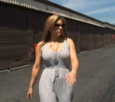 brandi-wearing-gray-shirt-on-way-to-auction-storage-wars-2