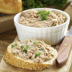 Browse the : « Pork Cretons Canadian Dishes, Canadian Cuisine, Canadian Food, Pate Recipes, Cooking Recipes, Food 101, Xmas Food, Tasty Bites, Sauces