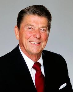 LOS ANGELES - President Ronald Reagan poses for a portrait in 1980 in Los Angeles, California. (Photo by Harry Langdon/Getty Images) 40th President, President Ronald Reagan, Greatest Presidents, American Presidents, American Soldiers, Republican Presidents, Us Presidents, Presidential History, Presidential Portraits