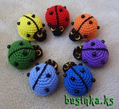I'm just pinning this for the turtles, not for the instructions, because I don't know how to make amigurumi. Crochet Animal Patterns, Crochet Patterns Amigurumi, Crochet Animals, Crochet Dolls, Crochet Yarn, Crochet Stitches, Knitting Patterns, Crochet Bunny, Love Crochet