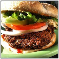 Dishes of Deliciousness: Black Bean & Quinoa Burgers