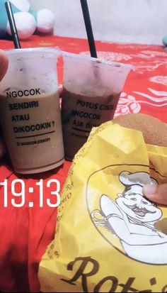Food N, Junk Food, Food And Drink, Tumblr Food, Cant Stop Eating, Snap Food, Starbucks Drinks, Jokes Quotes, Coffee Break