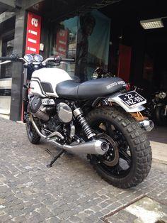 ideas for retro bike moto guzzi Yamaha Cafe Racer, Cafe Bike, Cafe Racers, Guzzi V7, Moto Guzzi, Bike Icon, Bike Silhouette, Bike Sketch, Bike Illustration