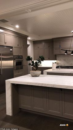 New look: Kylie Jenner has remodeled her kitchen inside her impressive sq. New look: Kylie Jenner has remodeled her kitchen inside her impressive square foot H. Kylie Jenner Room, Kris Jenner House, Look Kylie Jenner, Kris Jenner Kitchen, Dream House Interior, Dream Home Design, House Design, Mansion Interior, Kitchen Interior
