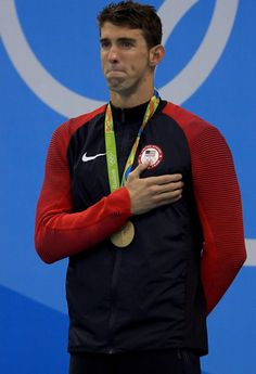 Michael Phelps got emotional as he stepped onto the podium to accept his fourth consecutive gold, and career gold medal, at the Rio Olympics on Thursday, A Olympic Swimming, Olympic Gymnastics, Olympic Sports, Olympic Games, Usa Olympics, Summer Olympics, Swimmer Girl Problems, Competitive Swimming, Sports Celebrities