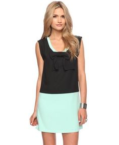 Mint color block with a feminine bow