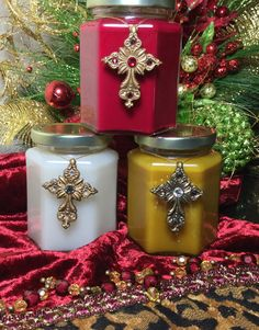 Sir Oliver's Christmas Candle with Swarovski Jeweled Cross ONLY $12! They are designed with extra Fragrance oil to fill your home with Holiday scents!
