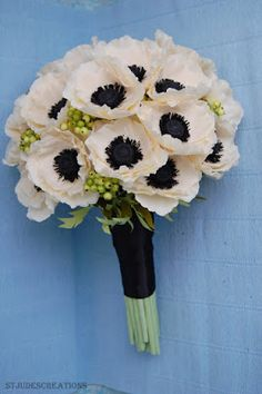 Anemone wedding bouquet paper flower bouquet | Paper Flowers Tutorials by Maria Noble