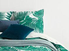 Designer Bettwaren & Badtextilien | MADE.com Designer, Bean Bag Chair, Modern, Furniture, Home Decor, Living Room Decor, Product Design, Textiles, Trendy Tree