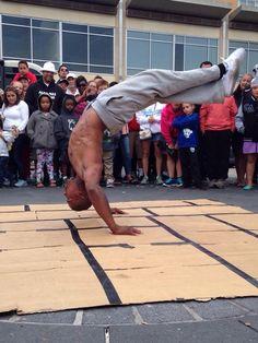 Oakland Break Dancers Captured by the Vhoto App #Vhoto #Dancing #Breakdancer