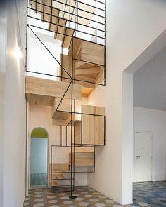 En güzel dekorasyon paylaşımları için Kadinika.com #kadinika #dekorasyon #decoration #woman #women The Different Stairs Style Ideas Creative Home Art Decorations