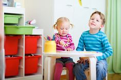 How to organize your kids rooms - amazing advice from a professional organizer.