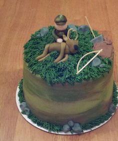 Bow Hunting Cake For Groom Cake just make on larger scale. Camo Cakes, Bow Cakes, Cupcake Cakes, Deer Cakes, Cupcakes, Duck Hunting Cakes, Bow Hunting, Grit Cakes, Hunting Birthday