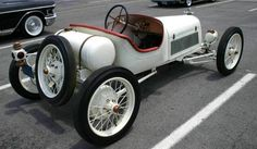 1917 Ford Model T Speedster   ===>  https://de.pinterest.com/rskeesee/rk-vintage-cars/