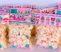 You are invited…to see the best LOL Surprise Doll party favors! Find the coolest party favor ideas for your upcoming LOL Surprise theme party. Get the perfect party favor that any child would love to take home as a gift from the party. Party Favors, Popcorn Favors, Party Treats, 7th Birthday Party Ideas, Birthday Fun, Surprise Birthday, Lol Birthday Cake, Birthday Treat Bags, Festa Baby Alive