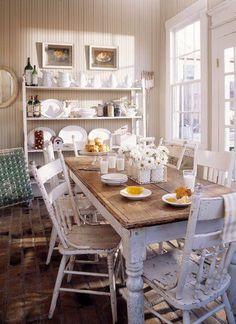 Tavolo e sedie, bel centrotavola