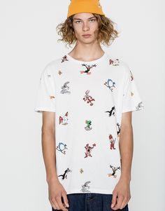 ¿Es el cumpleaños de tu novio y no sabes qué regalarle? ¡Esta divertida camiseta de Pull&Bear será una opción que le encantará!  https://ad.zanox.com/ppc/?39031773C40765729&ulp=[[http://www.pullandbear.com/es/es/camiseta-looney-tunes-allover-c0p100537039.html?utm_campaign=zanox&utm_source=zanox&utm_medium=deeplink]] #pullandbear #camiseta #boyfriend