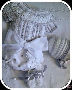 White & grey, love how it looks ~ Canastilla artesanal
