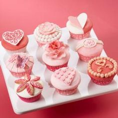 Give your sweetheart a box of beautifully decorated cupcakes this Valentine?s Day, or create them for a bridal shower. Use our various Fondant and Gum Paste Molds to add the decorative embellishments. Fancy Cupcakes, Valentine Day Cupcakes, Valentines Day Desserts, Decorated Cupcakes, Sweet Cupcakes, Valentine Nails, Wedding Cupcakes, Tea Cupcakes, Elegant Cupcakes