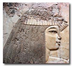 Tumba de Ramose. El antiguo noble egipcio, Ramose era gobernador de Tebas y Visir tanto bajo Amenhotep III y Akhenaton. Él fué una de las figuras públicas más tempranas en convertirse al Atonismo.