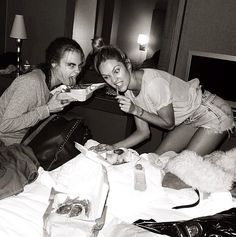 No dieting for these models —Cara Delevingne and Candice Swanepoel prepped for the runway with a late-night snack. Source: Instagram user jeromeduran  heck ya!