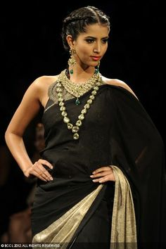 Model Manasvi Mamgai showcases jewellery creations by designer group PC Jewellers during the grand finale of the third season of India Inter. Tribal Fashion, Asian Fashion, Womens Fashion, Saris, Indian Show, Indian Style, Black Saree, Indian Outfits, Indian Clothes