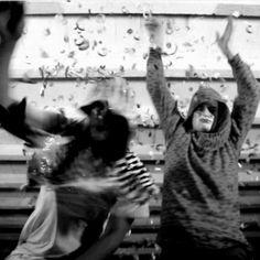 Selvaggio e primordiale: il nuovo disco dei Ninos du Brasil Salsa, Punk, New Age, Edm, Techno, Culture, Dance, Concert, Music Music