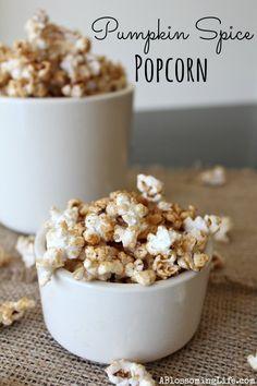 Pumpkin-Spice-Popcorn-Recipe. This pumpkin spiced popcorn looks delicious with fall flavor. #pumpkin #popcorn #fall