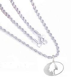 Southern Sisters Designs - Mossy Oak Pendant Necklace, $29.95 (http://www.southernsistersdesigns.com/mossy-oak-pendant-necklace/)