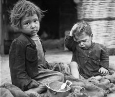 Sadly, children losing their parents to war is nothing new and is something that continues to this very day in countries gripped by conflict and war. Vintage Photographs, Vintage Photos, World Hunger, Human Condition, World War Two, Vintage Children, Old Photos, Wwii, The Past