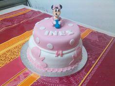 Tarta infantil bautizo Minnie bebe en rosa y blanco.