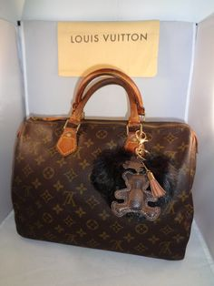 16a630b37400 Speedy 30, Authentic Louis Vuitton, Luxury Bags, Satchel Handbags, Indie  Brands