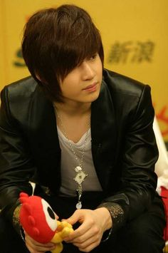 Emo Hair Style for Boys