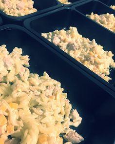 Čas na oběd  #testoviny #salat #salad #třebíč #trebic #instafood #food #obed #zdravejidlo #jimezdrave #zdraverecepty #dnesjem #czech #krabickovadieta #krabicky #krabickydoprace #foodforlife #f4l #stravovani #eatclean