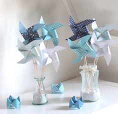 Moulins à vent dans les tons bleus et blancs : Accessoires de maison par latelierdesconfettis
