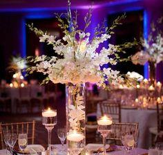 centro de mesas con flores y velas - Buscar con Google